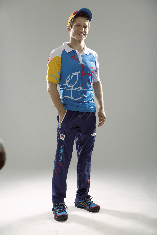 Olympionici ukázali oblečení do Ria. Pestrobarevné klobouky ... a773ac4cdd